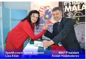 Directora deportiva de sportaccor y presidente waf echando un pulso